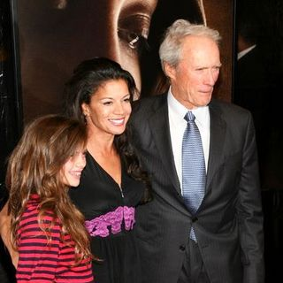 "Clint Eastwood, Dina Eastwood in 46th New York Film Festival - ""Changeling"" Premiere - Inside Arrivals"