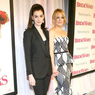 "Kate Hudson, Anne Hathaway in ""Bride Wars"" New York City Premiere - Arrivals"
