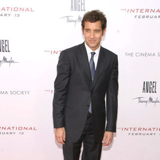 "Clive Owen in ""The International"" New York Premiere - Arrivals"