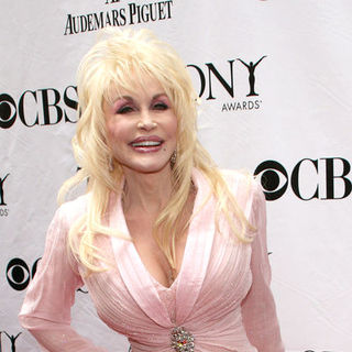 Dolly Parton in 63rd Annual Tony Awards - Arrivals