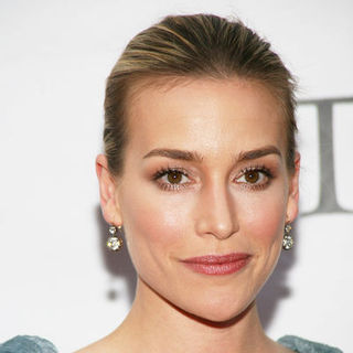 Piper Perabo in 63rd Annual Tony Awards - Arrivals