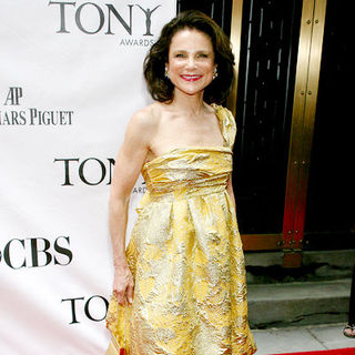 Tovah Feldshuh in 63rd Annual Tony Awards - Arrivals