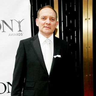 Zach Grenier in 63rd Annual Tony Awards - Arrivals