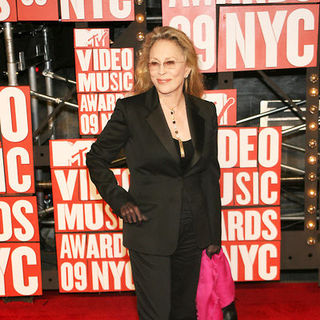 Faye Dunaway in 2009 MTV Video Music Awards - Arrivals