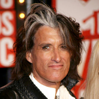 Joe Perry in 2009 MTV Video Music Awards - Arrivals
