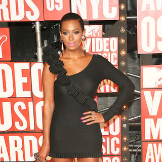 Solange Knowles in 2009 MTV Video Music Awards - Arrivals