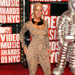 Amber Rose in 2009 MTV Video Music Awards - Arrivals