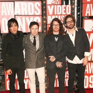 Fall Out Boy in 2009 MTV Video Music Awards - Arrivals