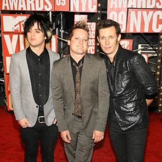 Green Day in 2009 MTV Video Music Awards - Arrivals