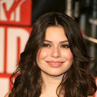 Miranda Cosgrove in 2009 MTV Video Music Awards - Arrivals