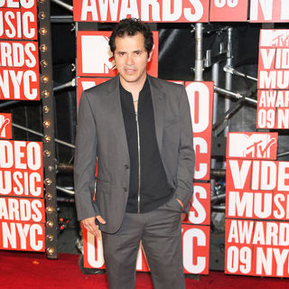 John Leguizamo in 2009 MTV Video Music Awards - Arrivals