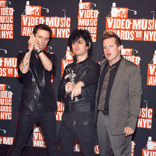 Green Day in 2009 MTV Video Music Awards - Press Room