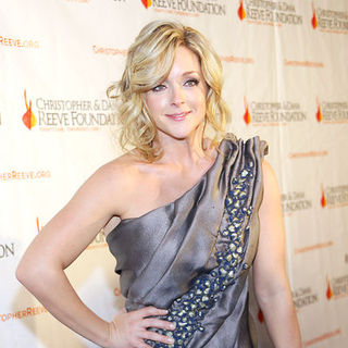 "Jane Krakowski in 19th Annual Christopher & Dana Reeve Foundation's ""A Magical Evening"" Gala - Arrivals"
