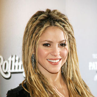 Shakira - Shakira Celebrates Rolling Stone Cover and Release of New Album