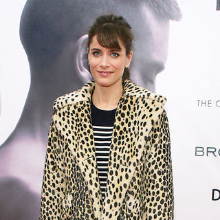"Amanda Peet in The Cinema Society with Details & DKNY Men Hosted the New York Premiere of ""Brothers"" - Arrivals"