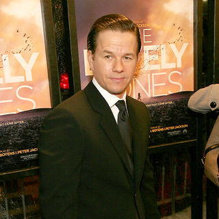 "Mark Wahlberg in ""The Lovely Bones"" New York Premiere - Arrivals"