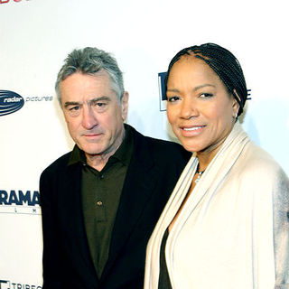 "Robert De Niro, Grace Hightower in ""Everybody's Fine"" New York Premiere - Arrivals"