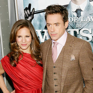 "Robert Downey Jr., Susan Levin in ""Sherlock Holmes"" New York Premiere - Arrivals"
