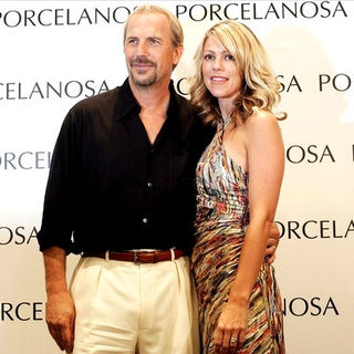 Kevin Costner and His Wife With Claudia Schiffer Attend Porcelanosa Lunch In Spain - SPX-001086