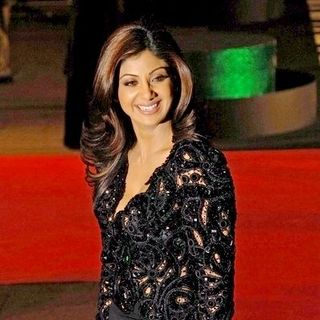 Shilpa Shetty in Music and Lyrics UK Premiere