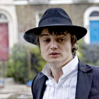 Pete Doherty - Pete Doherty leaving the Thames Magistrates Court after a review hearing on April 18, 2007