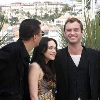 Norah Jones, Jude Law in 2007 Cannes Film Festival - My Blueberry Nights - Photocall
