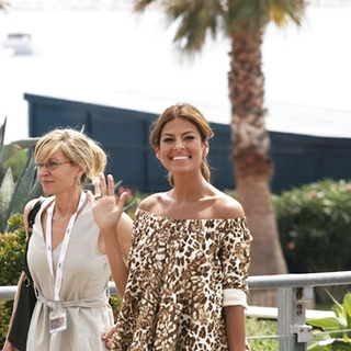 Eva Mendes in 2007 Cannes Film Festival - We Own The Night - Photocall - SPX-007957