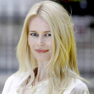 Claudia Schiffer in Royal Academy Summer Exhibition 2007 - VIP Private View