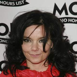 Bjork in 2007 Mojo Music Awards Honours List - Arrivals