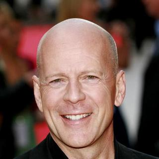 Bruce Willis in Live Free or Die Hard (Die Hard 4) Movie Premiere - U.K. - Arrivals