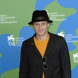 Heath Ledger in 64th Annual Venice Film Festival - Day 7 - I'm Not There - Movie Photocall - SPX-011487