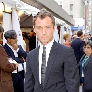 Jude Law in The 32nd Annual Toronto International Film Festival - 'Sleuth' Movie Premiere