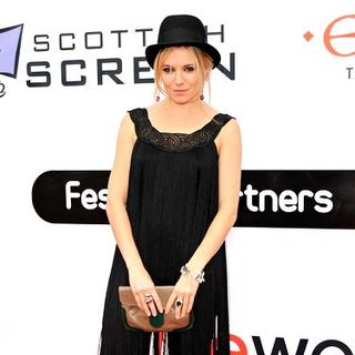 "Sienna Miller in 62nd Annual Edinburgh International Film Festival - ""The Edge of Love"" Premiere - Arrivals"