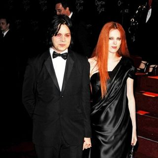 "Jack White, Karen Elson in ""Quantum of Solace"" Royal World Premiere - Arrivals"