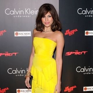 "Eva Mendes in ""The Spirit"" London Premiere - Arrivals"