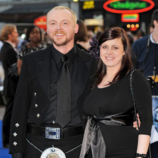 "Simon Pegg, Maureen McCann in ""Star Trek"" London Premiere - Arrivals"