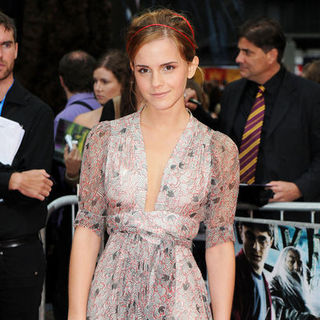 "Emma Watson in ""Harry Potter and the Half-Blood Prince"" World Premiere - Arrivals"