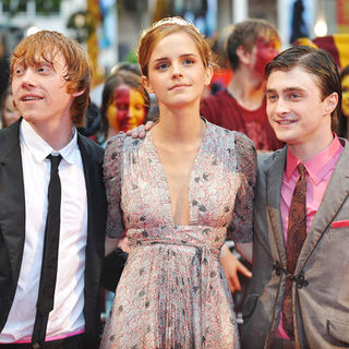 "Daniel Radcliffe, Rupert Grint, Emma Watson in ""Harry Potter and the Half-Blood Prince"" World Premiere - Arrivals"