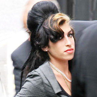 Amy Winehouse - Amy Winehouse Arrives at the City of Westminster Magistrates Court in London on July 23, 2009