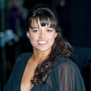 "Michelle Rodriguez in ""Avatar"" World Premiere - Arrivals"