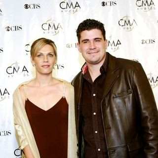 Josh Gracin in 38th Annual Country Music Awards Arrivals - TDV-000486