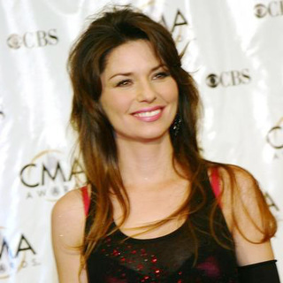 Shania Twain in 38th Annual Country Music Awards Arrivals