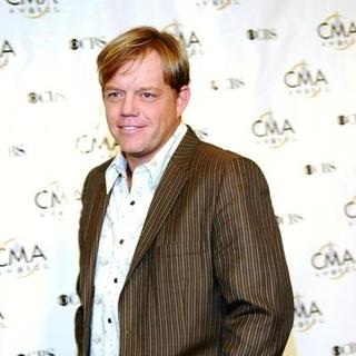 Pat Green in 38th Annual Country Music Awards Arrivals - TDV-000983
