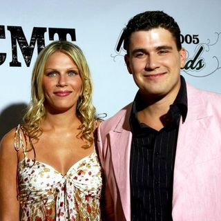Josh Gracin in 2005 CMT Music Awards - TDV-001440