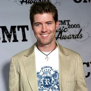 Josh Turner in 2005 CMT Music Awards