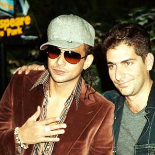Sean Paul, Michael Imperioli in Shark Tale Premiere