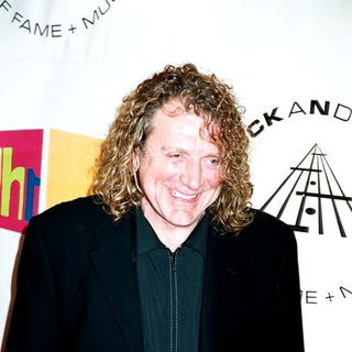 Robert Plant in 2004 Rock and Roll Hall of Fame Ceremony