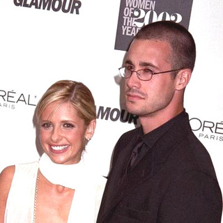 Sarah Michelle Gellar, Freddie Prinze Jr. in 13th Annual Glamour Women Of The Year
