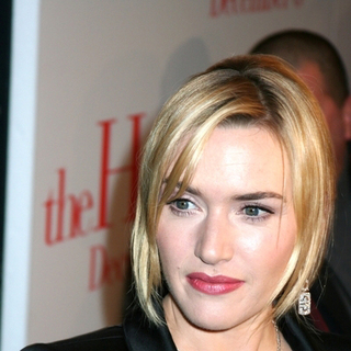 Kate Winslet in The Holiday New York Premiere - Arrivals