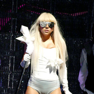 Lady GaGa - Lady Gaga Opens for New Kids on the Block in Concert at the Borgata - November 1, 2008